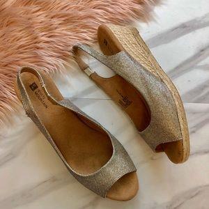 White mountain glitter peep toe wedges sandals 11